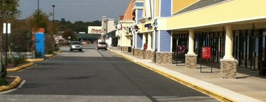 Tanger Outlets Ocean City is one of Orte, die Evan gefallen.