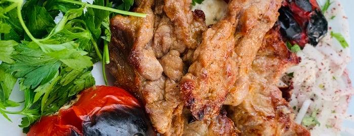 Hayatlı Bahçe Et Lokantası is one of Yemek.