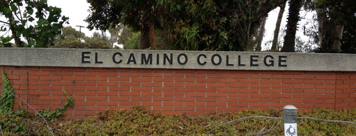 El Camino College is one of สถานที่ที่ Lily ถูกใจ.