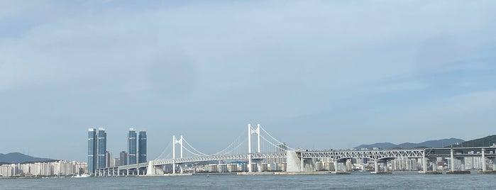 마린시티 해변산책로 is one of Busan.