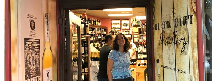 Rochambeau Wines and Liquors is one of DALS - Westchester.