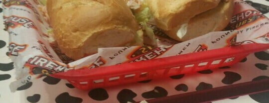 Firehouse Subs is one of Locais salvos de Kelsey.