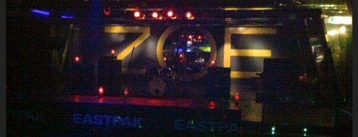 Zoe Club is one of Orte, die Valentina gefallen.