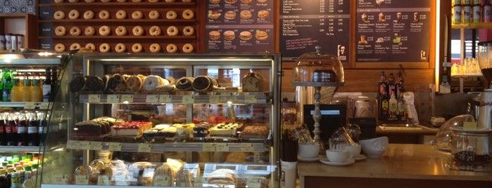 Coffee Fellows is one of สถานที่ที่ Simon ถูกใจ.