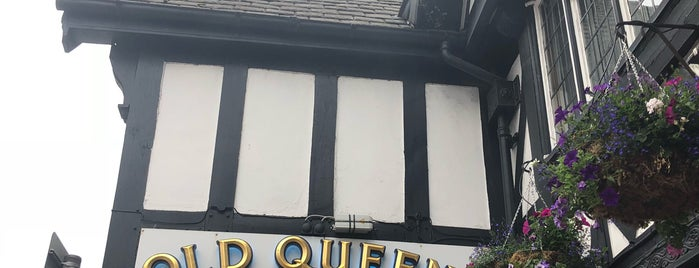 Old Queens Head is one of Lugares favoritos de Carl.