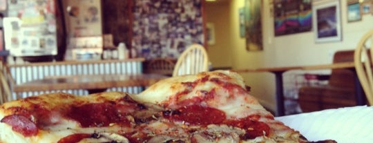 Pleasure Pizza - Slice Shack Portola Dr. is one of Lugares favoritos de Arne.