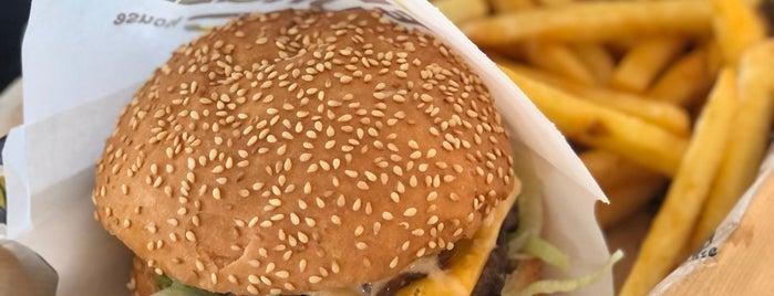 Enjoy Burger House Alanya is one of Tempat yang Disukai Esra.