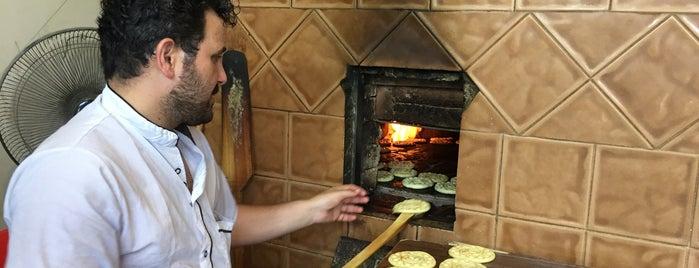 Tafazoli Fuman Traditional Cookies | کلوچه سنتی فومن - تفضلی is one of Locais curtidos por H.