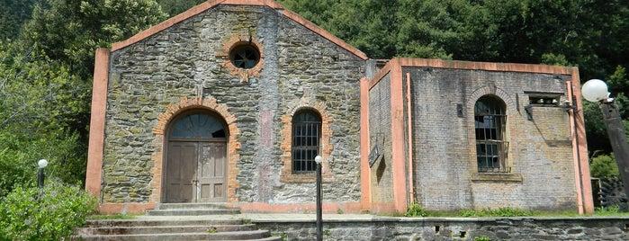 hidroelectrica chivilingo is one of สถานที่ที่ Luis ถูกใจ.