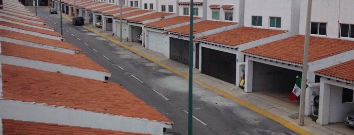 Fraccionamiento Bonanza is one of Jesús Ernesto 님이 좋아한 장소.