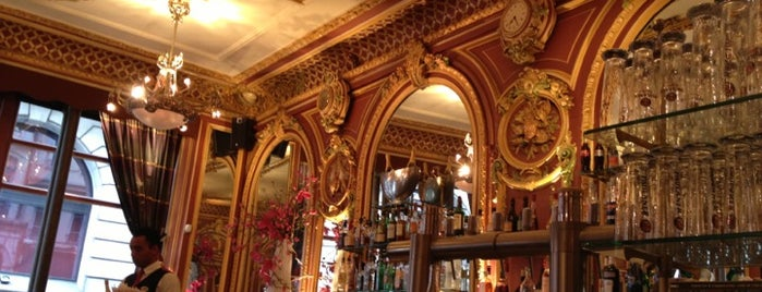 Grand Café des Négociants is one of Lyon bars / pubs / restaurant.