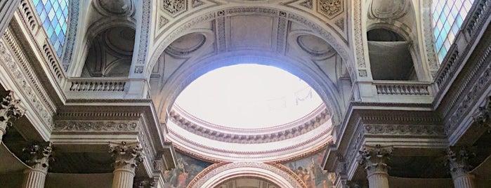 Panteón de París is one of Lugares favoritos de Caroline.