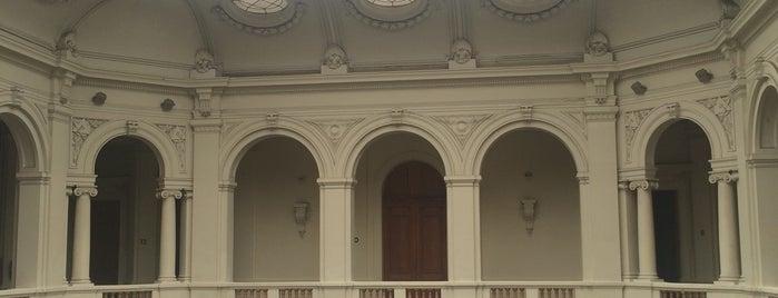 Museo de Arte Contemporáneo is one of #SantiagoTrip2.