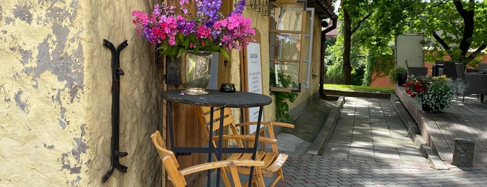 Cafe 7 Bar is one of Places to eat in Cesis.