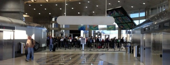 Aeropuerto Internacional de Tampa (TPA) is one of Top 100 U.S. Airports.