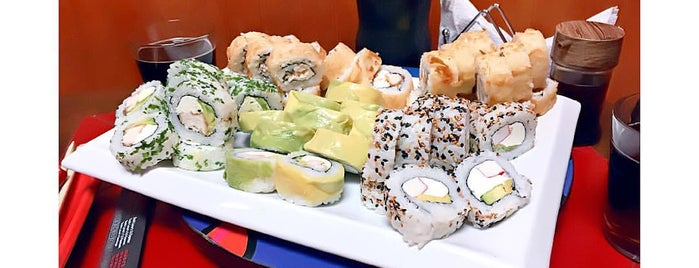 Sushi Lover's is one of Tempat yang Disukai Denisse.