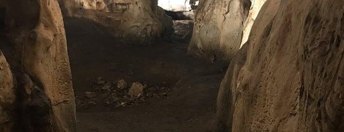 Karain Mağarası is one of Locais curtidos por ceylan.