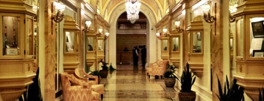 The Fairmont Copley Plaza is one of Locais curtidos por Emily.