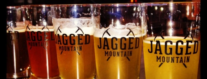 Jagged Mountain Brewery is one of Locais curtidos por Heather.