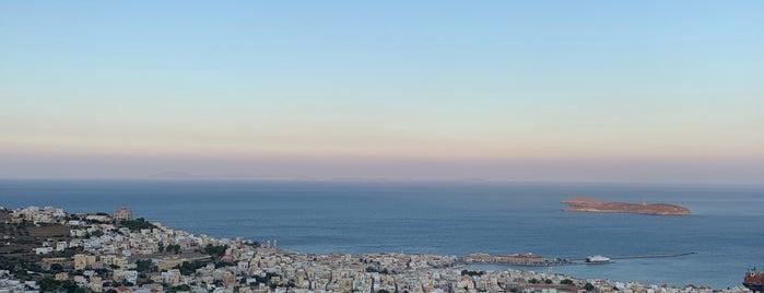 Ο Μήτσος is one of Syros.