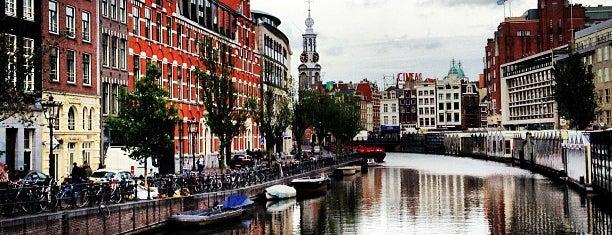 Koningsplein is one of Amsterdam para Maria y Antonio.