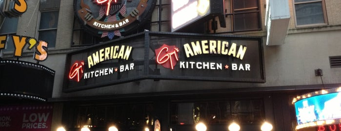 Guy's American Kitchen and Bar is one of Lugares favoritos de Ashley.