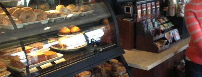 Starbucks is one of สถานที่ที่ Neel ถูกใจ.