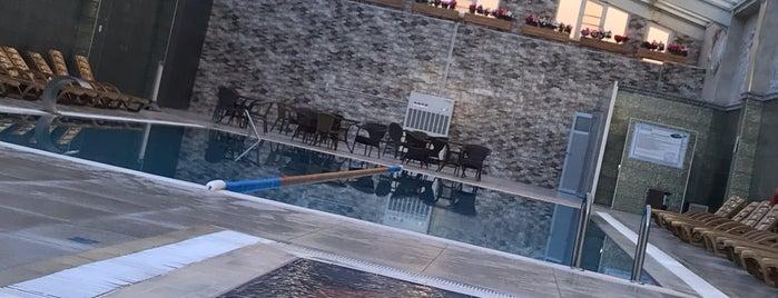 Eser Diamond Hotel Outdoor Pool is one of Tempat yang Disukai Esra.