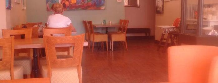 Clever Rabbit Vegetarian Cafe is one of Orte, die Darren gefallen.