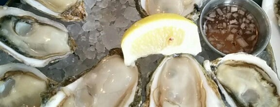 Taylor Shellfish Oyster Bar Queen Anne is one of SEA pt 2.