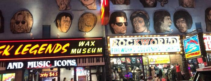 Rock Legends Wax Museum is one of Niagara Falls.