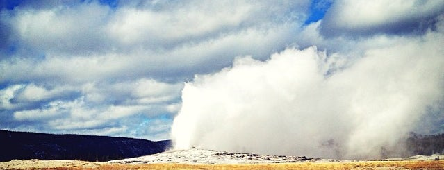 Old Faithful Geyser is one of America Road Trip!.