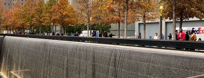 9/11 Memorial North Pool is one of Mario Cesar 님이 저장한 장소.