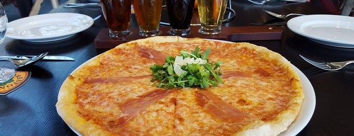 Pizza E Birra is one of Donna 님이 저장한 장소.