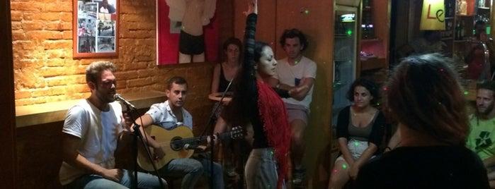 Gracia Latina is one of Salir... por Barcelona.