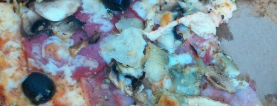 Pizzeria La Rusticana is one of Locais curtidos por Dominik.