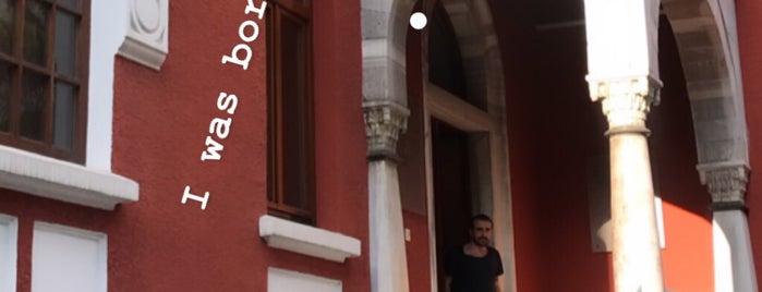 Mongeri Binası is one of git gör ye.