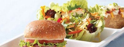 Crispers Fresh Salads, Soups and Sandwiches is one of Cat : понравившиеся места.