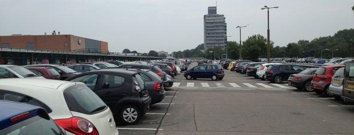 Parkeergarage Leidschenhage is one of Lieux qui ont plu à Robert.