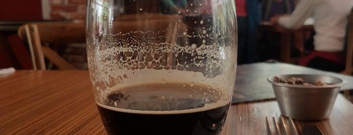 Mapacho Craft Beer & Restaurant is one of Lugares favoritos de Ross.