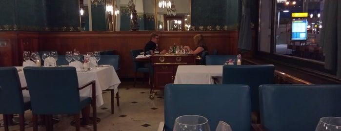 Restaurant Sarah Bernhardt is one of Sexy 님이 저장한 장소.