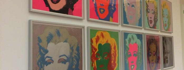 Museum Ludwig is one of Locais curtidos por Monique.