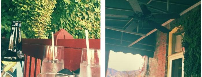 The Veranda Cafe is one of Posti salvati di Brett.