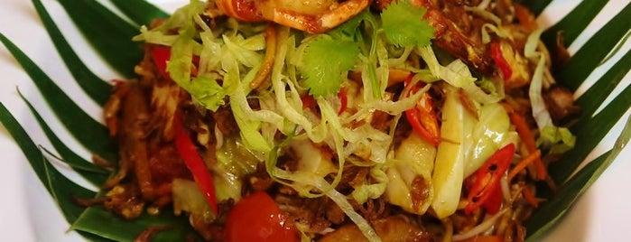 Cili Padi is one of Food: Makati.