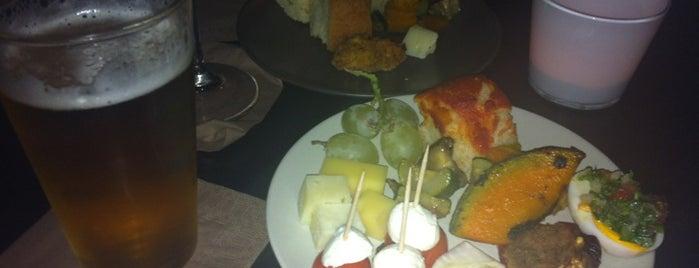 B&B Mood is one of Pavia: mangiare e divertirsi.