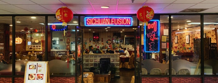 Sichuan Fusion is one of Lieux qui ont plu à Drew.