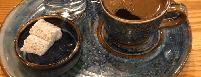 Mavera Coffee House is one of สถานที่ที่ Emrah ถูกใจ.