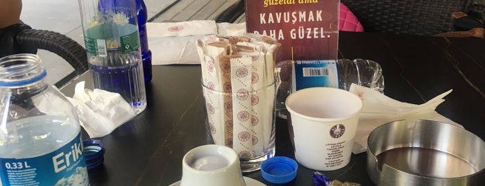 Kahve Dünyası is one of Lieux qui ont plu à Orhan Veli.