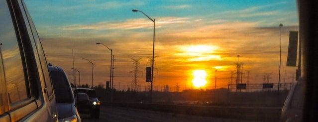 Highway 7 & Bayview is one of Sloto'nun Beğendiği Mekanlar.