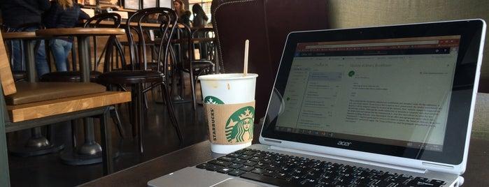 Starbucks is one of Yunusさんのお気に入りスポット.